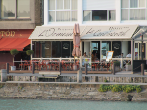 hotel with a sea view in cancale